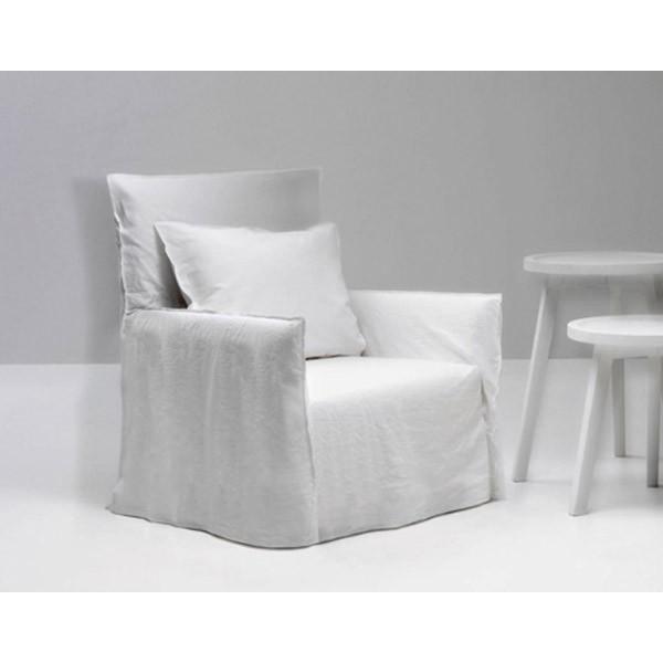 fauteuil ghost 04 de gervasoni en promotion. Black Bedroom Furniture Sets. Home Design Ideas